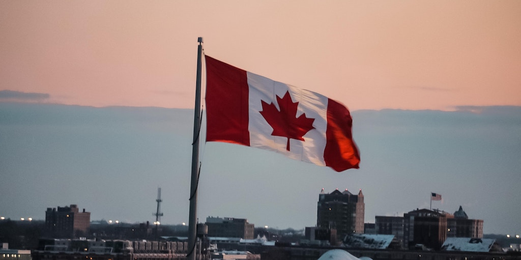 canadian flag businesses
